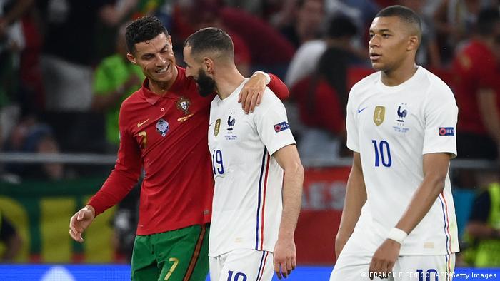 Колишні одноклубники Кріштіану Роналду (ліворуч) та Карім Бензема забили у матчі по два голи
