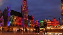 Belgien, Brüssel, Grand Place, Groote Markt. Beleuchtung der historischen Gebäude in Regenbogen-Farben als Protest gegen Anti-LGBTQI-Gesetz in Ungarn. EU-Gipfel. Aufgenommen am 23.06.2021. Foto: Bernd Riegert, DW, alle Rechte