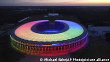 BdTD Fußball EM Deutschland Ungarn Regenbogen Stadion