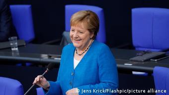 Bundestag Kanzlerin Merkel Befragung | Mimik