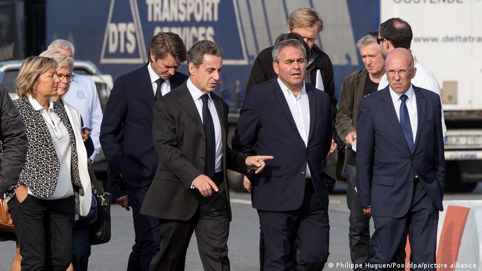 Xavier Bertrand, Nicolas Sarkozy i članovi stranke Les Républicains