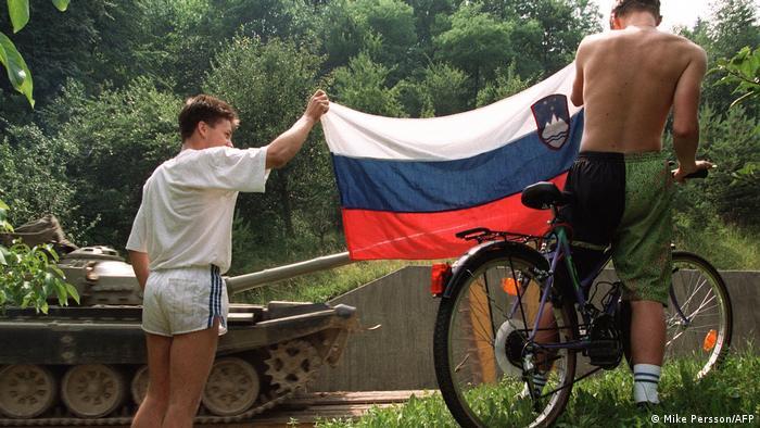 Slowenien 1991 Jugoslawische Volksarmee zieht sich zurück