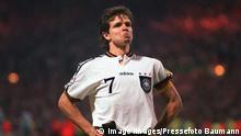Fussball EM Euro Europameisterschaft 1996 Deutschland - England Halbfinale ANDREAS MOELLER AFTER SCORING GERMANY S WINNING PENALTY IN SHOOT-OUT. ENGLAND v GERMANY, EURO 96, SEMI-FINAL, 26/6/1996