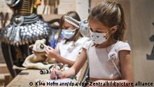 Wicki (vorn) und Marie malen und spielen im ANOHA. Demnächst eröffnet die Kinderwelt ANOHA im Jüdischen Museum Berlin für junge Besucherinnen und Besucher im Kita- und Grundschulalter. Im Mittelpunkt des Kindermuseums steht die Erzählung der Arche Noah aus der Tora. +++ dpa-Bildfunk +++