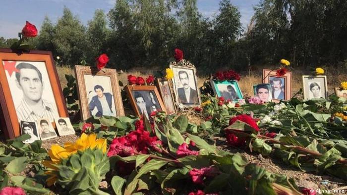 در مورد علل اعدامهای دستهجمعی در تابستان سال ۶۷ نظرات مختلفی وجود دارد: برخی معتقدند این اعدامها نتیجه جدال جمهوری اسلامی با سازمان مجاهدین ومشخصا واکنش به عملیات فروغ جاویدان بوده است. روایت قویتر اما این است که کشتار زندانیان سیاسی از قبل برنامهریزی شده بود، به خصوص که زندانیان اعدام شده فقط اعضای مجاهدین نبودند، بلکه از اعضای گروههای چپ همچون راهکارگر، فدائیان و حزب توده نیز بودهاند.