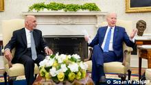 25/06/21++++++ President Joe Biden, right, answers a reporter's question during a meeting with Afghan President Ashraf Ghani, left, in the Oval Office of the White House in Washington, Friday, June 25, 2021. (AP Photo/Susan Walsh)