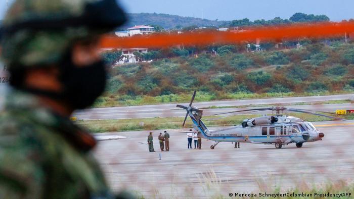 Hubschrauber des kolumbianischen Präsidenten Ivan Duque wird von Gewehrschüssen getroffen