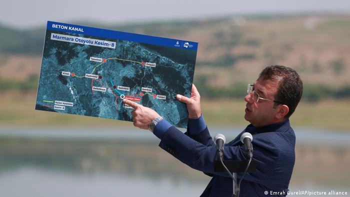 Кметът на Истанбул Екрем Имамоглу е сред противниците на проекта за канал