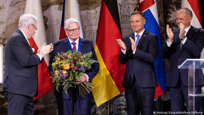 Uroczystość wręczenia Nagrody Św. Wojciecha Joachimowi Gauckowi