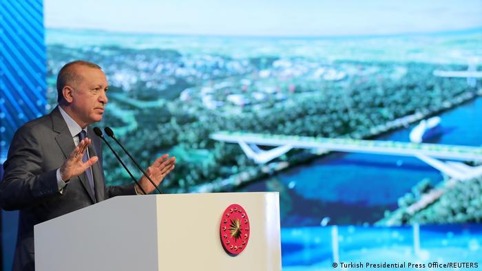 Президентът Ердоган е решен да построи Канал Истанбул въпреки рисковете
