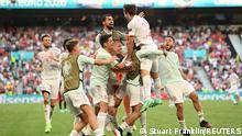 Soccer Football - Euro 2020 - Round of 16 - Croatia v Spain - Parken Stadium, Copenhagen, Denmark - June 28, 2021 Spain's Mikel Oyarzabal celebrates scoring their fifth goal with teammates Pool via REUTERS/Stuart Franklin
