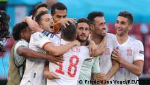 Soccer Football - Euro 2020 - Round of 16 - Croatia v Spain - Parken Stadium, Copenhagen, Denmark - June 28, 2021 Spain's Koke celebrates with teammates after the match Pool via REUTERS/Friedemann Vogel