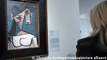 ARCHIV 2012 *** epa03054057 A file photo dated 04 January 2012 shows the Picasso 'Woman's head' on display in the National Gallery of Athens, Greece. Burglars broke into the National Gallery in the pre-dawn hours on 09 January 2012 and took unknown number of paintings including Picasso's 1939 'Woman's Head' EPA/CHRISTINA ZACHOPOULOU ++
