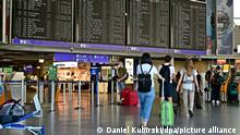 Die Luftfahrt ist im Aufwind. Flugbuchungen und Passagierzahlen steigen, somit wurde der seit über einem Jahr geschlossenen Terminal 2 und die Landebahn Nordwest des Frankfurter Flughafen Fraport wieder in Betrieb genommen. So kann der Flugverkehr wieder über 2 Terminals abgewickelt werden.