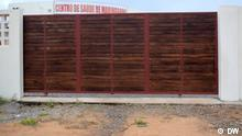 Verzögerung bei der Aktivierung des vor einem Jahr gebauten Gesundheitszentrums. 29.06.2021 Cabo Delgado, Mosambik. Gebäude des Außenministeriums von Angola