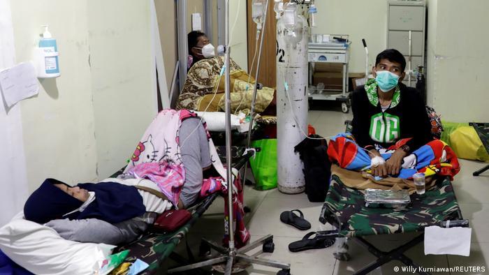 Indonesien Jakarta   Notfallaufnahme zu steigenden Coronainfektionen