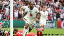 Soccer Football - Euro 2020 - Round of 16 - England v Germany - Wembley Stadium, London, Britain - June 29, 2021 England's Raheem Sterling celebrates scoring their first goal Pool via REUTERS/Catherine Ivill