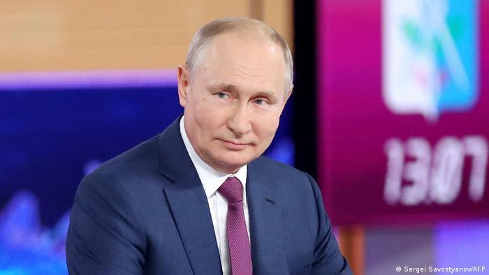 Russland Moskau | Fernsehauftritt Vladimir Putin Direct Line with Vladimir Putin