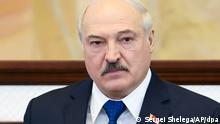 26.05.2021, Belarus, Minsk: Alexander Lukaschenko, Präsident von Belarus, spricht vor dem Parlament in Minsk. Die EU-Staaten haben sich auf ein umfangreiches neues Sanktionspaket gegen Unterstützer des belarussischen Machthabers Alexander Lukaschenko verständigt. Foto: Sergei Shelega/POOL BelTA/AP/dpa +++ dpa-Bildfunk +++