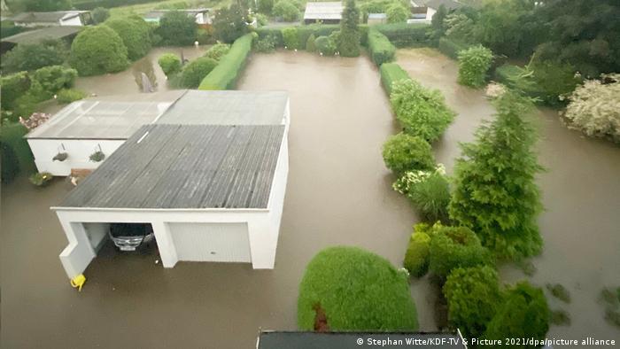 پیشبینی میشود، بارش سنگین باران در چند ایالت آلمان همچنان ادامه یابد. اداره هواشناسی پیشبینی کرده است که بارندگی شدید حتی تا روز پنجشنبه، ۱۵ ژوئیه نیز در بخشهایی از ایالتهای هسن، نوردراین وستفالن، راینلند فالتس و همچنین زارلند ادامه خواهد یافت.