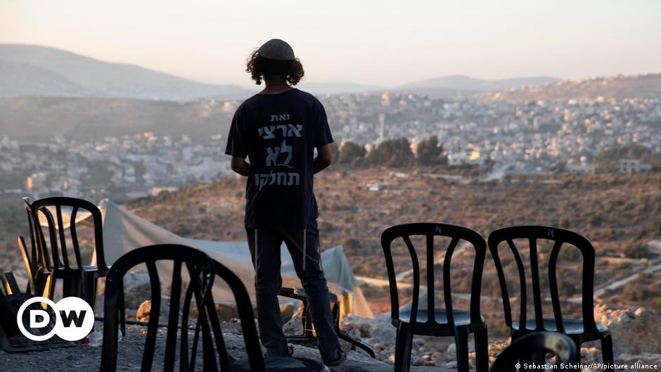 الخارجية الفلسطينية: إسرائيل استبدلت حل الدولتين بمسارات التطبيع