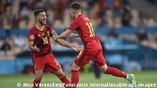 SEVILLA, SPAIN - JUNE 27 : Thorgan Hazard midfielder of Belgium celebrates scoring a goal with his brother Eden Hazard midfielder of Belgium during the 16th UEFA EURO, EM, Europameisterschaft,Fussball 2020 Championship Round of 16 match between Belgium and Portugal on June 27, 2021 in Sevilla, Spain, 27/06/2021 FOOTBALL : Portugal vs Belgique - Euro 2020 - Seville - 27/06/2021 PhotoNews/Panoramic PUBLICATIONxINxGERxSUIxAUTxHUNxONLY
