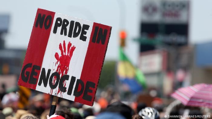 TABLEAU   Canada Day / Proteste