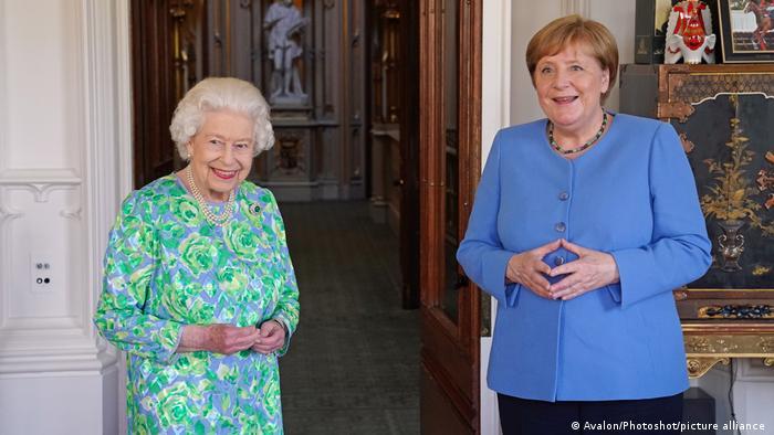 Rainha Elizabeth recebe chanceler federal alemã, Angel Merkel, no Palácio de Windsor