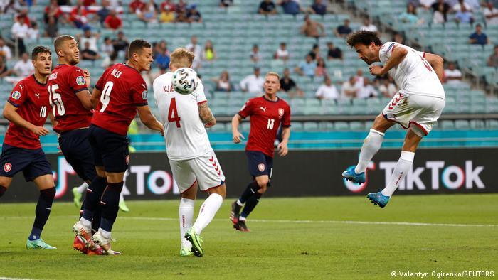 Томас Ділейні забиває перший гол у ворота Чехії