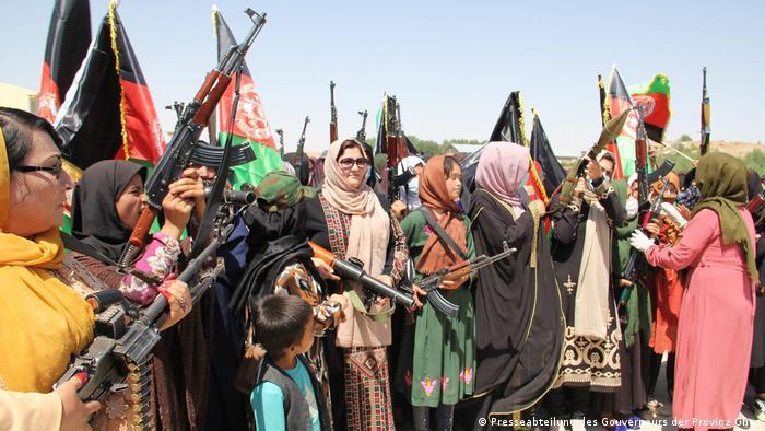 Mujeres armadas en Ghor.