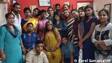 Transgender People of west bengal wants initiative like Bangladesh. Ranjita Sinha, former member of the west Bengal Tarnsgender Board, is in the middle. Photo: Payel Samanta/DW 4.7.21