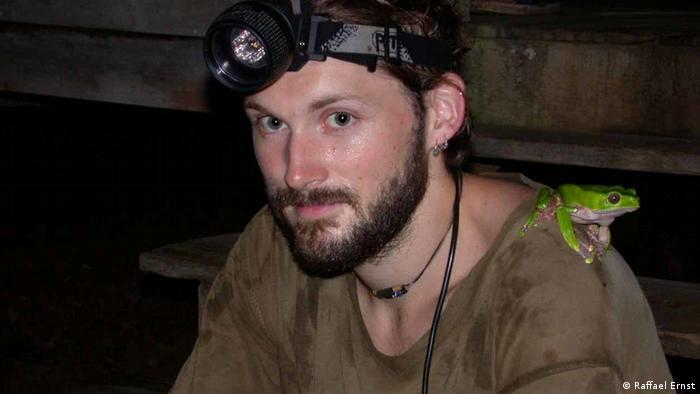 El herpetólogo alemán Raffael Ernst encontró la rana mientras realizaba un trabajo de campo en Guyana.
