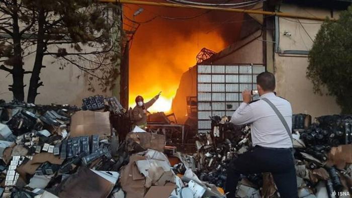 قطعی مکرر برق تا کنون موارد متعددی آتشسوزی به دنبال داشته است. یک مورد آن به گفته آتشنشانی تهران، در بارانداز سازمان اموال تملیکی در جاده مخصوص کرج اتفاق افتاد که عملیات اطفای حریق در آن تا شامگاه دوشنبه ۱۴ تیر ادامه داشت. شش سوله بزرگ متعلق به این سازمان طعمه حریق شد.