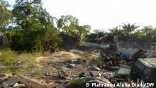 Die Bilder zeigen das in Ruinen gefallene Haus von dem gestorbenen Sembène Ousmane. Er war ein sehr berühmter Autor in Senegal und sehr bekannt in Afrika. V