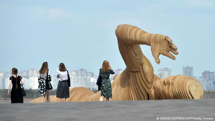 BdTD Ukraine | Holzskulptur Merman Art in Kiew