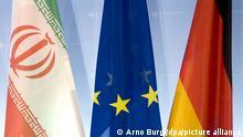 Flaggen des Iran (l-r), Europa und der Bundesrepublik Deutschland stehen vor einer Fototermin der deutschen und iranischen Außenminister im Auswärtigen Amt in Berlin, aufgenommen am 15.09.2008. Foto: Arno Burgi dpa/lbn +++(c) dpa - Report+++