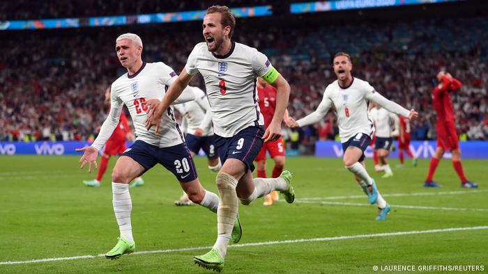 شادی هری کین از به ثمر رساندن گل پیروزی انگلیس.
