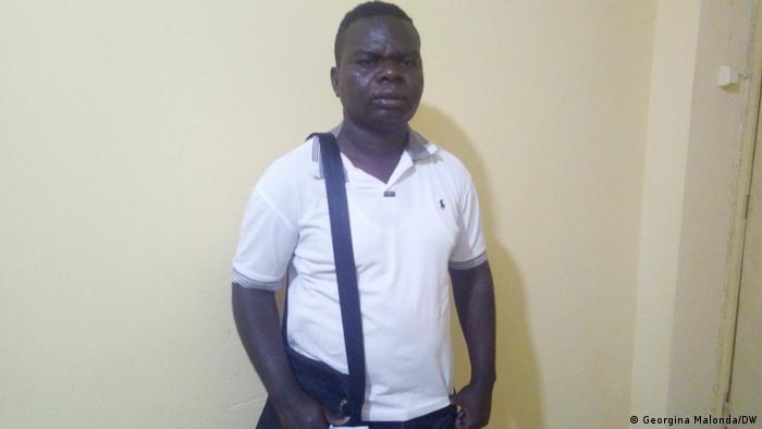 Angola   Studenten brechen Hochschulbildung ab: Student Ismael Maquinichi