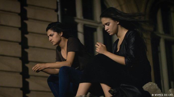 Filmstill | WOMEN DO CRY