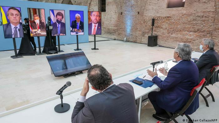 Foto simbólica de reunion de presidentes del Mercosur