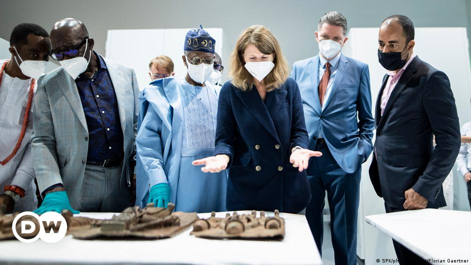 Benin bronzes: Nigerian delegation visits Berlin