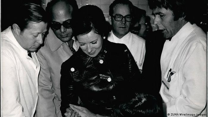 جهان سادات، همسر انور سادات در سال ۱۹۵۸
