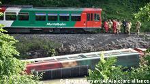 09.07.2021 ABD0017_20210709 - RAMINGSTEIN - ÖSTERREICH: ZU APA0108 VOM 9.7.2021 - Eine Garnitur der Murtalbahn entgleiste am Freitag, 09. Juli 2021, im Salzburger Lungau. Dabei stürzte ein Waggon in die Mur. Zu dem Unfall kam es unweit der Landesgrenze zur Steiermark zwischen Kendlbruck und Predlitz. - FOTO: APA/FRANZ NEUMAYR - 20210709_PD0997