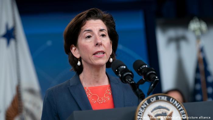 USA Gina M. Raimondo