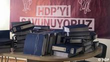 ***ACHTUNG: Bild nur zur mit Rechteinhaber vereinbarten Berichterstattung verwenden!*** via Ercan Cosun Verbotsklage gegen prokurdische Oppositionspartei HDP wurde bei der Partei eingereicht. Die Klageschrift des Generalstaatsanwalts besteht aus etwa 70 Aktenordner. Die Anwälte der HDP sollen nun die Verteidigung vorbereiten. Rechte: HDP