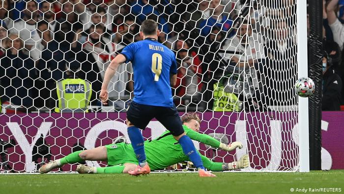 EURO 2020 | Finale Italien vs England | Pickford hält