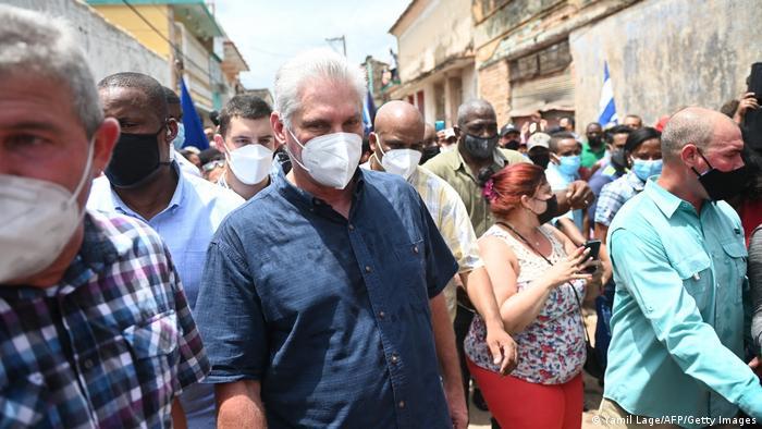 Díaz-Canel en una protesta contra su gobierno, en San Antonio de los Baños (11.07.2021)