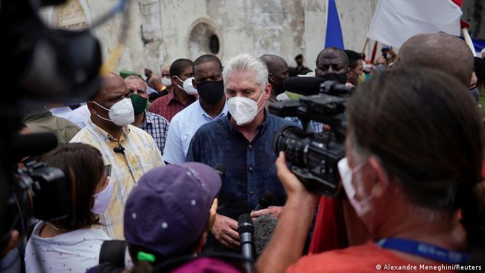 Präsident Díaz-Canel macht sich ein Bild von der Lage
