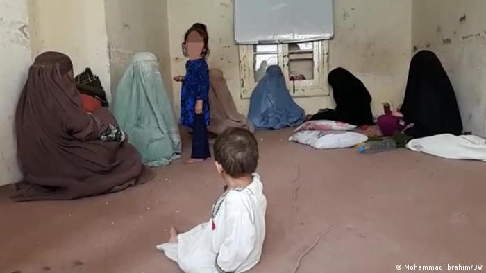 Afghanistan   Familien fliehen aus der Provinz Kandahar