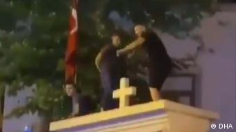 Türkei Surp Takavor-Kirche in Istanbul Festnahme Tänzer